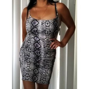 Snake print cute and sexy dress size L